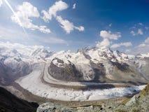 Vue dans Zermatt Photos stock
