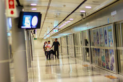 Vue de à l'intérieur de la liaison ferroviaire d'aéroport international de Suvarnabhumi Photographie stock libre de droits