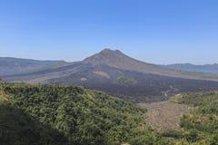 Vue de bâti de Batur comme fond Photographie stock libre de droits