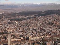 Vue de bâti Mtatsminda au-dessus de Tbilisi (la Géorgie) Images stock
