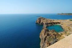 Vue de baie de Lindos St.Pauls d'Acropole, Rhodes Image libre de droits