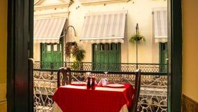 Vue de balcon à un autre balcon, La Havane, Cuba photos libres de droits