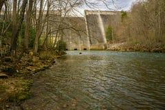 Vue de barrage de lac Philpott de Smith River image stock