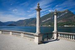 Vue de beau parc de villa Melzi Image stock