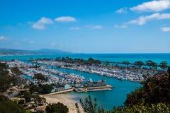Vue de belle marina d'en haut images libres de droits