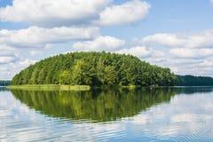 Vue de Beutifull d'un lac images stock