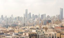 Vue de Beyrouth du centre un jour ensoleillé Beyrouth - roches de pigeon Photos stock
