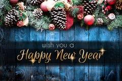 Vue de 2018 bonnes années et de Joyeux Noël avec la neige et le rea Photo stock