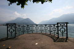 Vue de bord de lac de Lugano Images stock