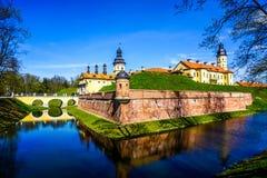 Vue de côté de château de Nesvizh images stock