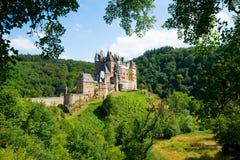 Vue de côté du château d'Eltz, Allemagne l'Europe photographie stock libre de droits