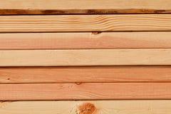 Vue de côté empilée de planches de pin photographie stock libre de droits