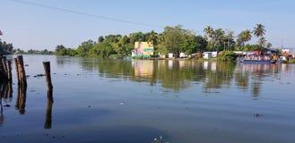 Vue de côté de lac images libres de droits