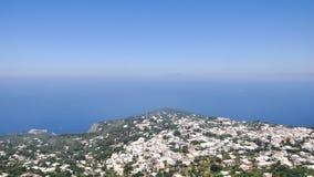 Vue de côte et d'océan dans Capri Photo stock