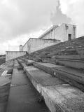 Vue de côté à la tribune principale ancienne des anciens au sol de rassemblement de Nazi Party photo stock