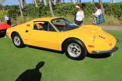 Vue de côté de Ferrari de ligne classique de voiture de sport Images stock