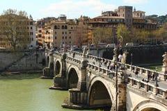 Vue de côté de pont d'Angelo de saint Photos stock