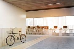 Vue de côté de réception avec un vélo, modifiée la tonalité illustration stock