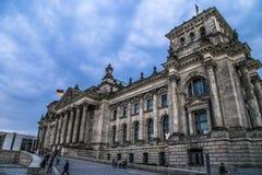 Vue de côté de reichstag construisant Berlin photo stock