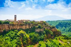 Vue de côté de ville de Bagnoregio photos stock