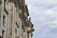 Vue de côté du bâtiment de Reichstag Photos stock