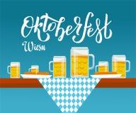 Vue de c?t? d'illustration plate de vecteur sur la table d'Oktoberfest avec le tissu ? carreaux, les tasses de bi?re et les plats illustration de vecteur