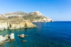 Vue de côte d'Agali, île de Folegandros Photo stock