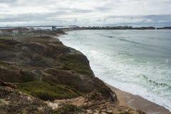 Vue de côte occidentale portugaise d'Almagreira dans la direction est Photos libres de droits