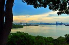 Vue de canal de Panama au crépuscule photographie stock libre de droits