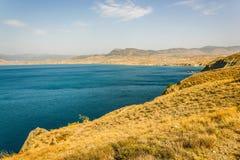 Vue de cap Meganom en Crimée images stock