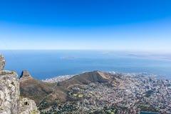 Vue de Cape Town et d'île de Robben de montagne de Tableau Images stock