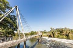 Vue de cascade de ville de Timbo, Santa Catarina Photos libres de droits