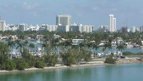 Vue de casserole d'horizon de Miami Beach banque de vidéos