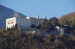 Vue de Castelbrando, une fois une querelle du diocèse de Vittorio Veneto photos libres de droits