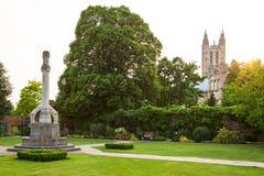 Vue de cathédrale de Cantorbéry de Queningate Kent, Angleterre Photo stock