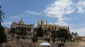 Vue de cathédrale de Palma de Mallorca Royal Palace La Almudaina Photos stock