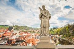 Vue de Cesky Krumlov à partir du dessus bohemia avril Image stock