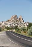 Vue de château d'Uchisar dans Cappadocia Photographie stock libre de droits