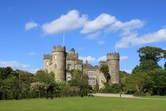 Vue de château de Malahide Photos stock