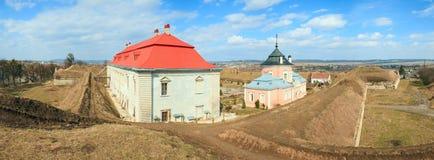 Vue de château de Zolochiv de panorama (Ukraine) Photographie stock