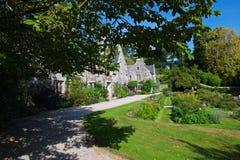 Vue de Chambre et de jardin de Cotehele photo libre de droits