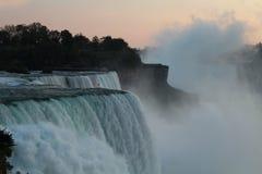 Vue de chutes du Niagara des Etats-Unis image libre de droits