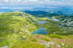Vue de ci-dessus à abaisser, pêcher, de minette et de lacs jumeaux Image libre de droits
