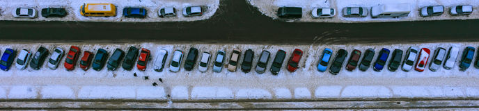 Vue de ci-dessus sur les voitures, jour, extérieur Images stock