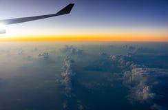 Vue de ciel avec l'horizon et le nuage Photo stock