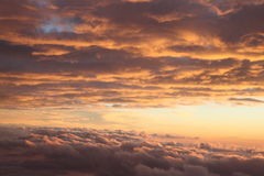Vue de ciel d'un positionnement du soleil Image stock