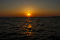 Vue de coucher du soleil d'Alsancak, Izmir Turquie Image libre de droits