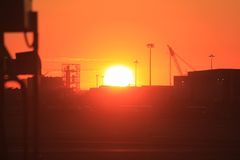Vue de coucher du soleil d'International de liberté de Newark Photos stock