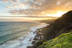 Vue de coucher du soleil de la grande route d'océan, Australie Images libres de droits