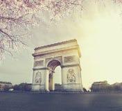 Vue de coucher du soleil de paysage urbain de Paris Images libres de droits